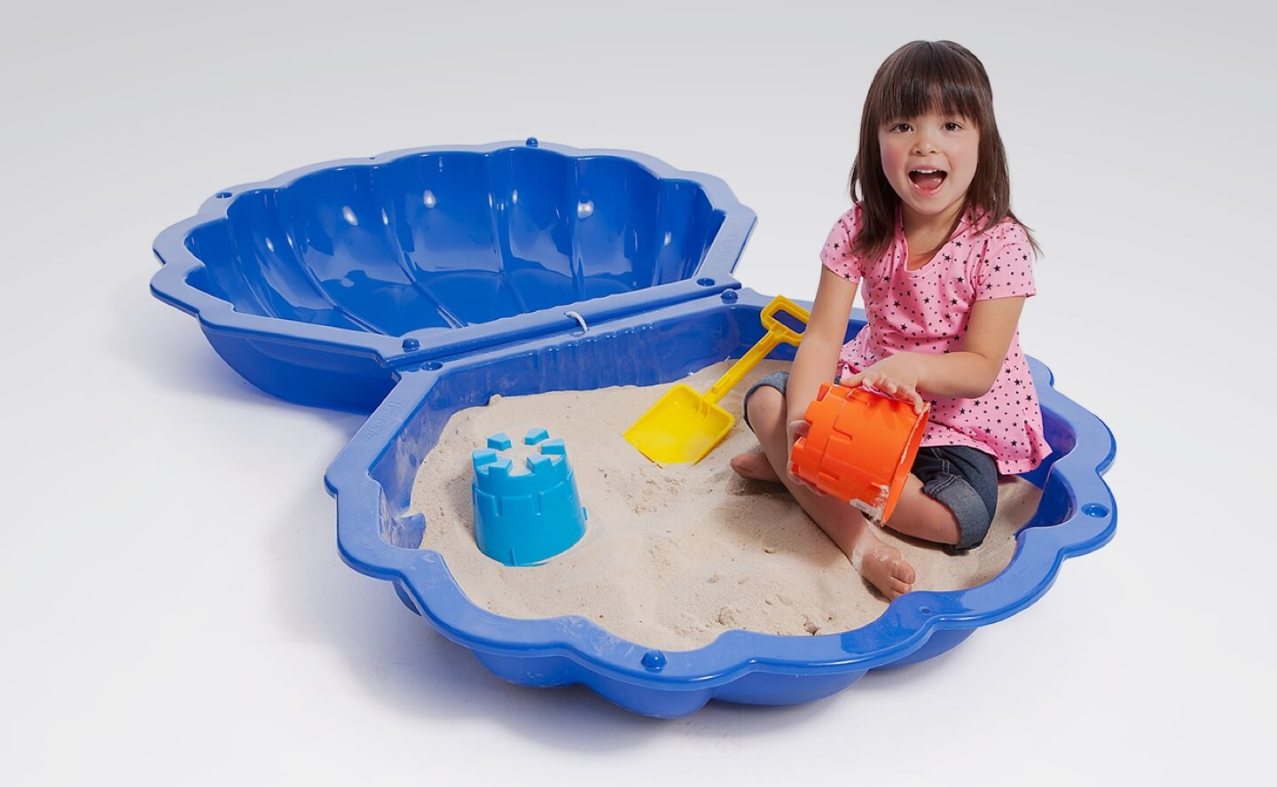 Pools & water toys